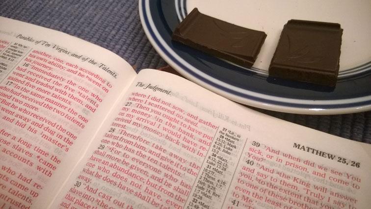 Matthew 25 Bible with Splendid Dark Chocolate with Orange
